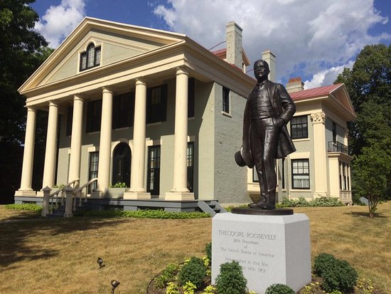 Theodore Roosevelt Inaugural Site Now Accepting Nominations For Annual Police Award